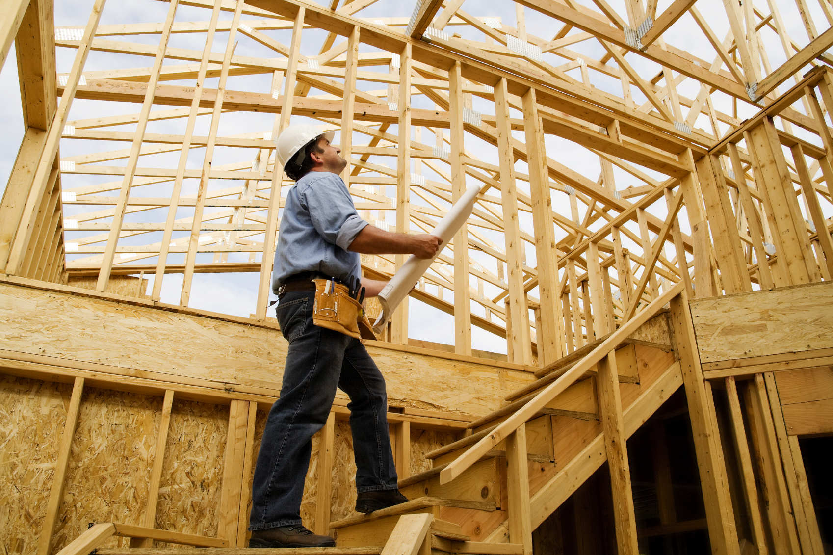 Home builder vs self contractor vs sub contractor for Home builder contractors